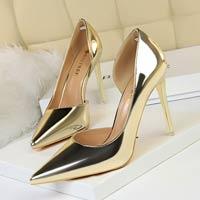 Перевозка женской обуви из Италии