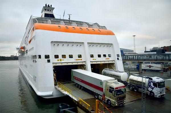 картинка контейнерные перевозки из Швеции морским транспортом